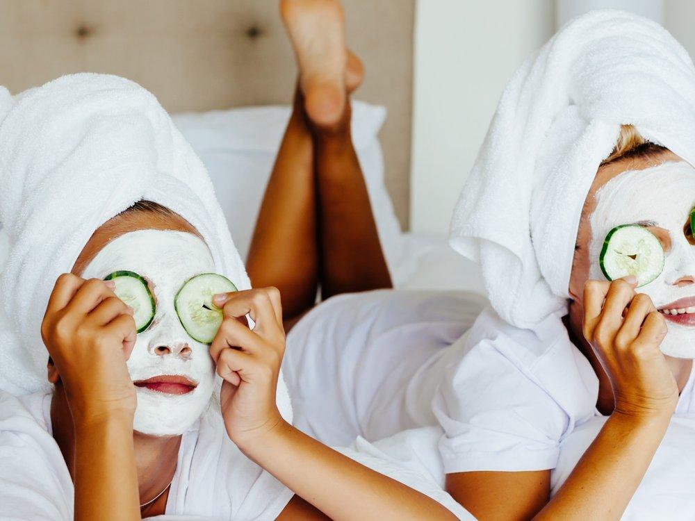 Kühlende Gesichtsmasken: So behält man bei Hitze einen kühlen Kopf
