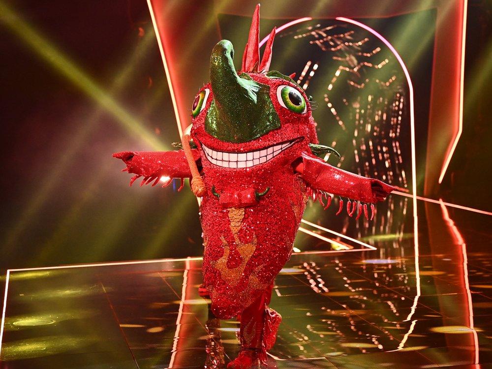 """""""The Masked Singer"""": Aus für die Chili in der ersten Show"""