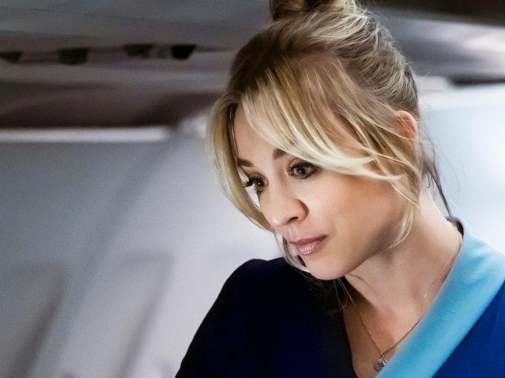 "Erfolgsserie ""The Flight Attendant"" mit Kaley Cuoco feiert TV-Premiere"