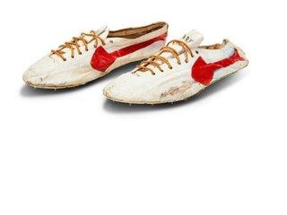 """""""Sotheby's"""" enttäuscht über 315.000-Dollar-Verkauf von Nike-Schuhen"""