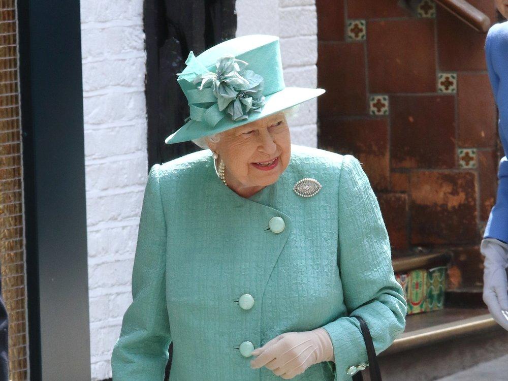 Queen Elizabeth II. sucht nach neuen Angestellten