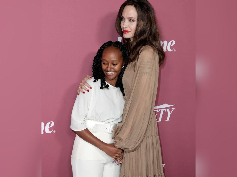 Angelina Jolie und Tochter Zahara strahlen auf dem roten Teppich